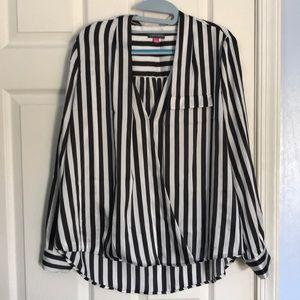 Vince Camuto Long sleeve black/white blouse 1X